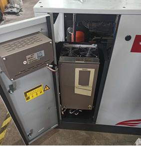 熔喷机用空压机安装