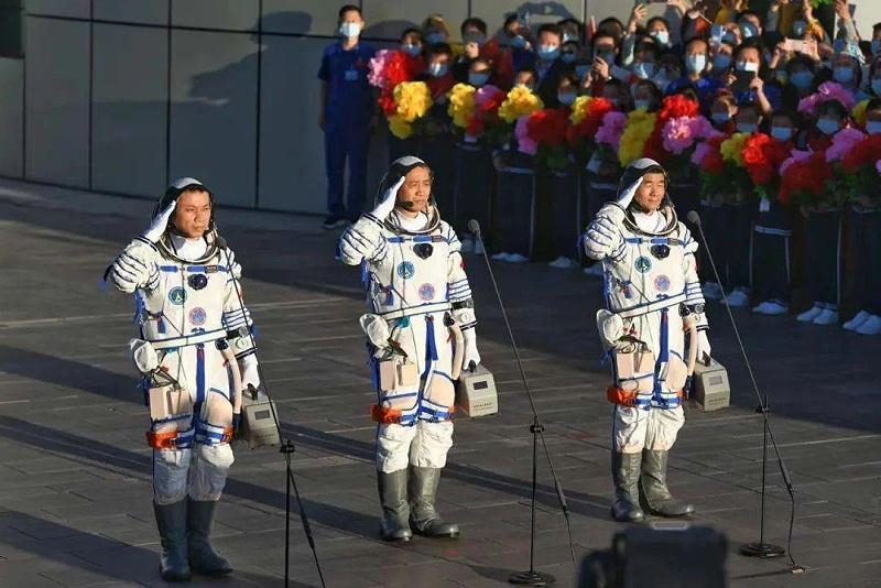青岛空压机贺神州十二发射成功